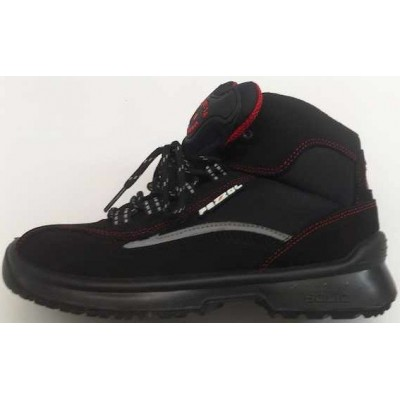 New safety boot Red Cross